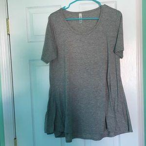 LuLaRoe gray short sleeve flowy shirt